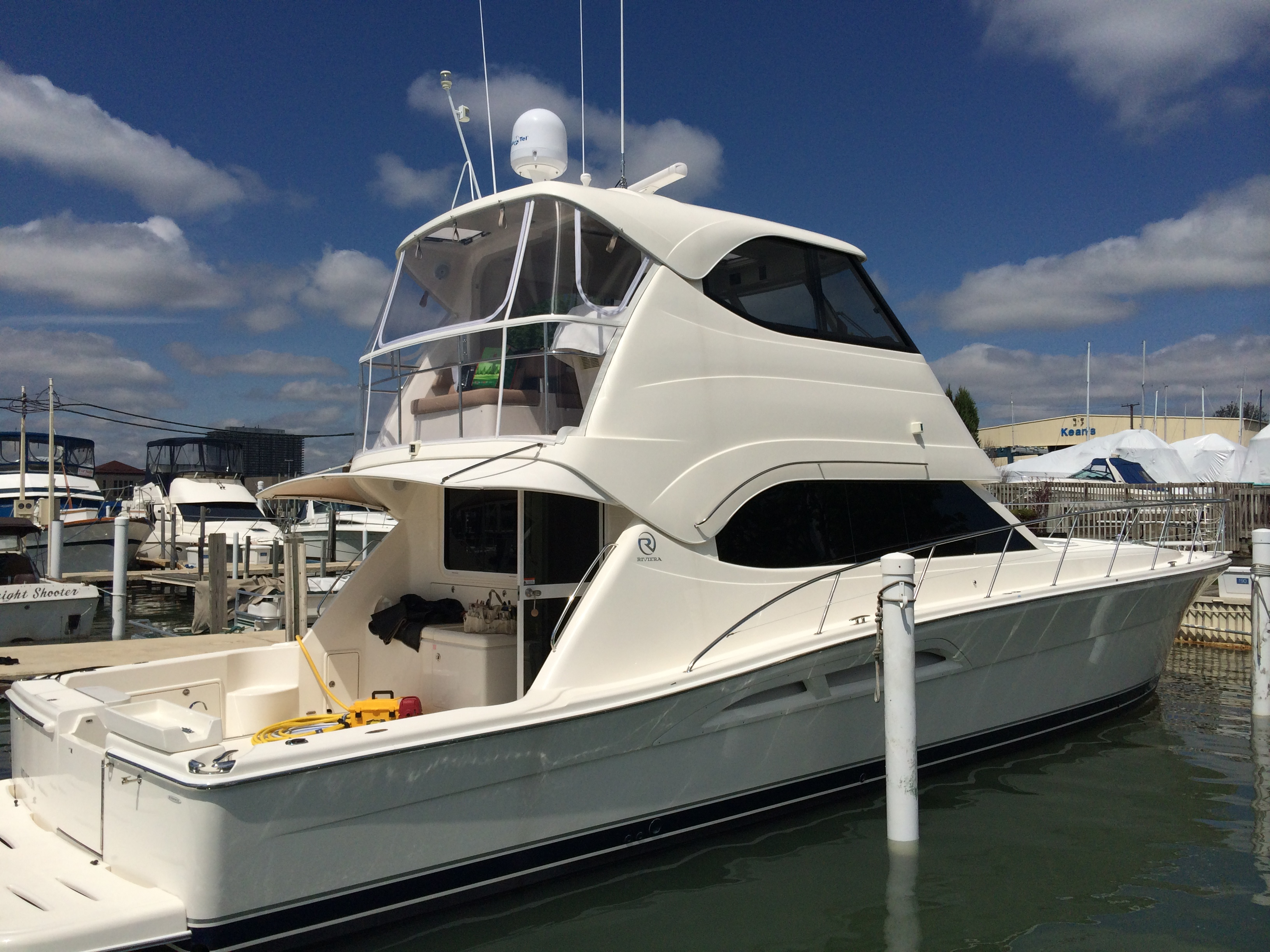 2015 Outstanding Achievement - Power Boats - Soft Enclosures (58' Riviera)
